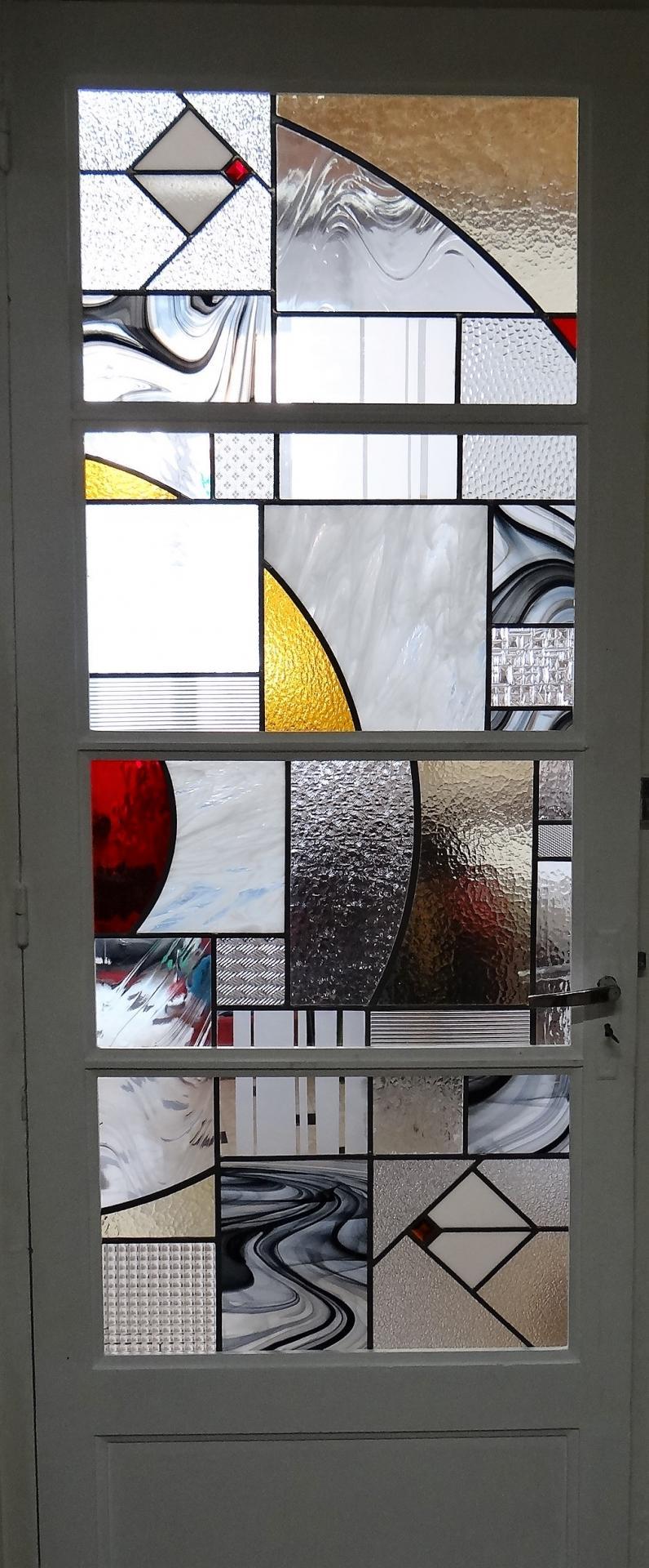 vitrail contemporain d'inspiration art-déco, création de Marion Rusconi