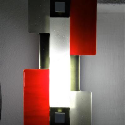 Luminaire applique mural en fusing fabrique par marion rusconi a l atelier le chant du diamant marion rusconi a lyon 69 rhone