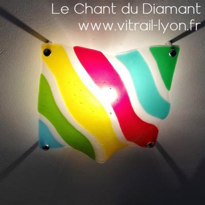 Luminaire plafonnier en fusing verres multicolors cree a l atelier le chant du diamant par marion rusconi a lyon rhone