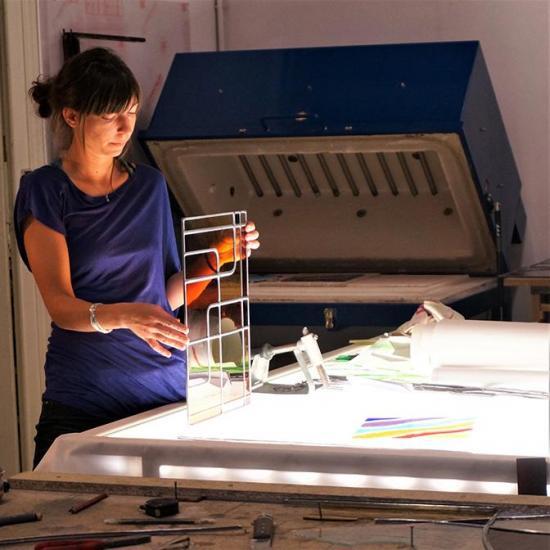 Marion Rusconi dans son atelier- boutique, Le chant du diamant, situé sur le plateau de la Croix-Rousse à Lyon 69004